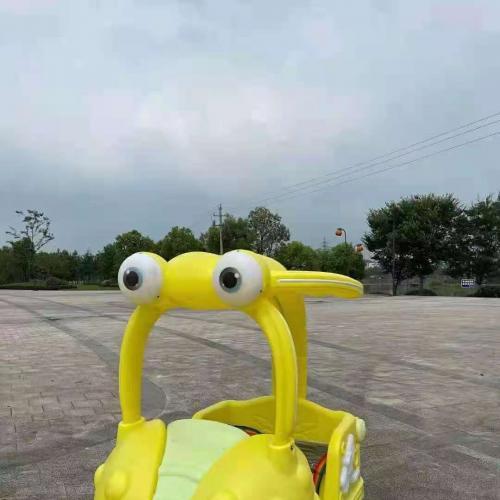 呆萌发光大眼睛蜻蜓碰碰车